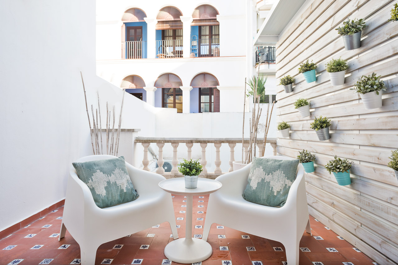 Apartment Sitges Blue & White 1a