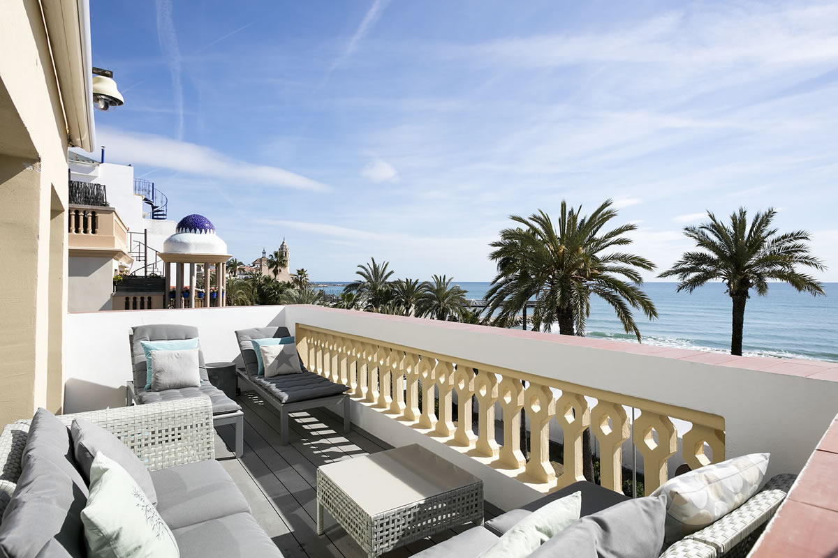 Sitges Group Ribera Beach Ocean Front
