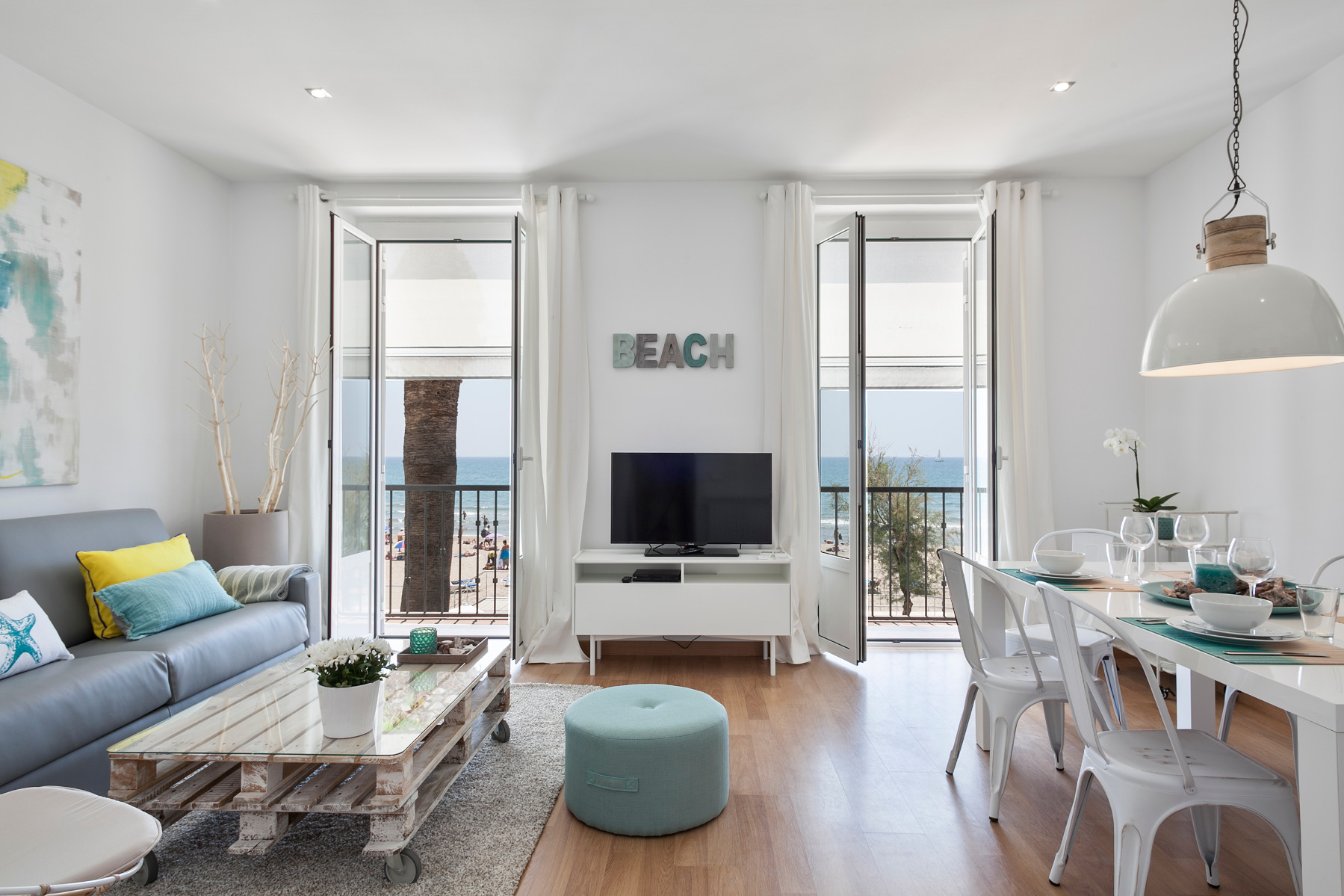 Sitges Apartment   Blue & White 2