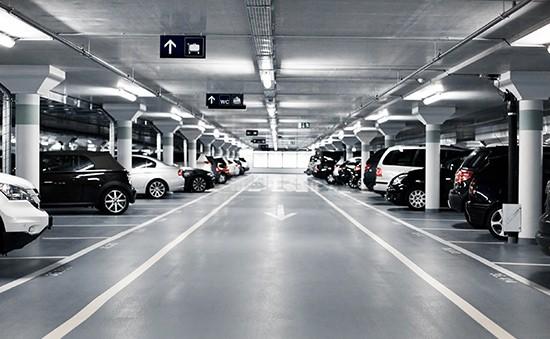 Eigene Parkplätze und Spezialtarife in öffentlichen Parkhäusern - Sitges Group